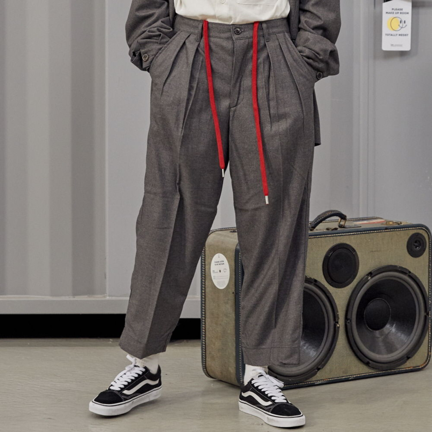 LOBBY BOY EASY WIDE TR WOOL SET-UP PANTS [LOOSE TAPERED FIT] (GREY WOOL)