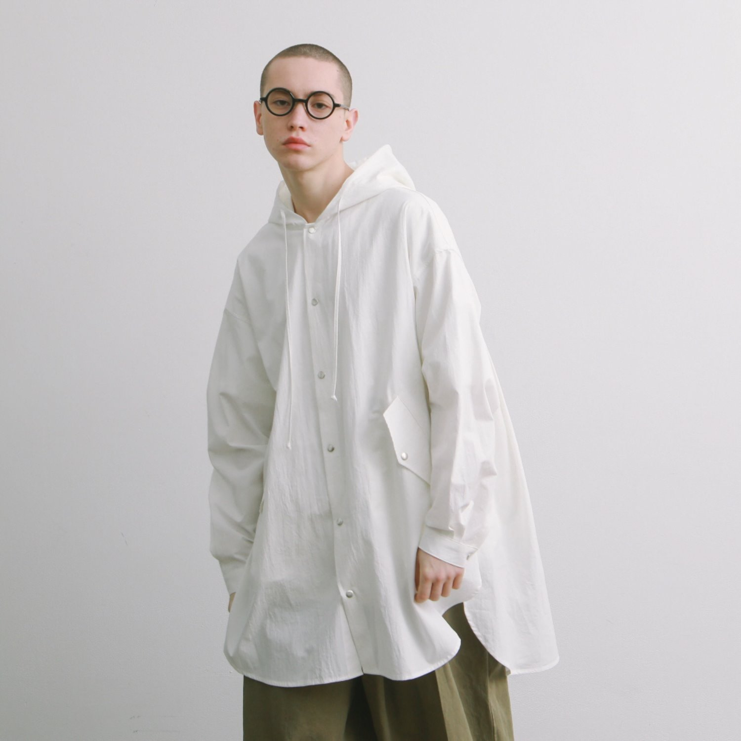 Doorman Oversized Long Shirt Jacket (White)